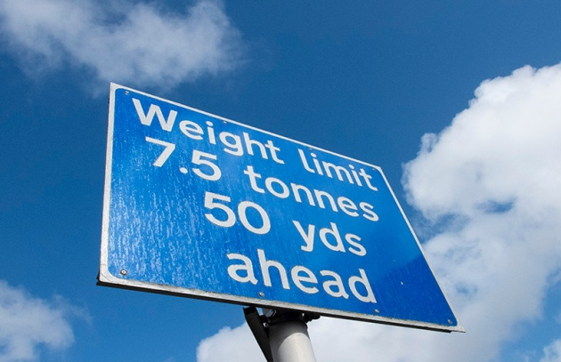 Typical UK road sign: the weight is given in metric units whilst the distance is in imperial. Are we European or aren't we? ©Neil Turner, April 2013