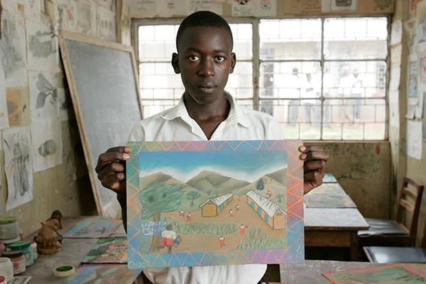 ©Neil Turner/TSL. April 2005. Kabalega, Uganda.