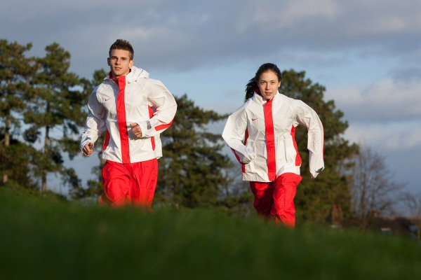 Young England cross-country runners posing for a photograph in Winchester. © Neil Turner/TSL